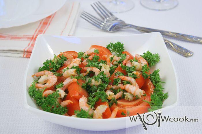Салат из маринованных креветок