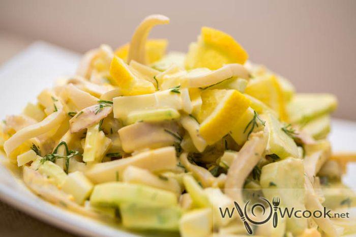 рецепт салата с кальмарами