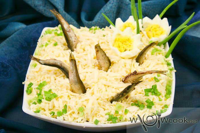 Салат со шпротами Рыбки в пруду