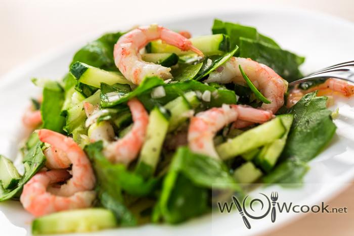 вкусный салат со шпинатом