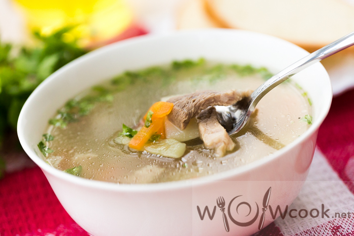 суп с картофелем, свининой и болгарским перцем
