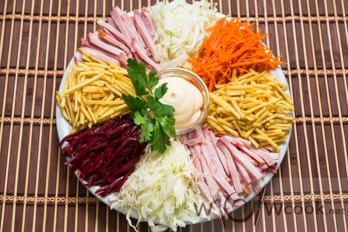 салат с острой морковкой и свеклой