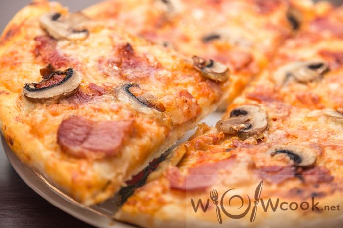 пицца с грибами и беконом рецепт