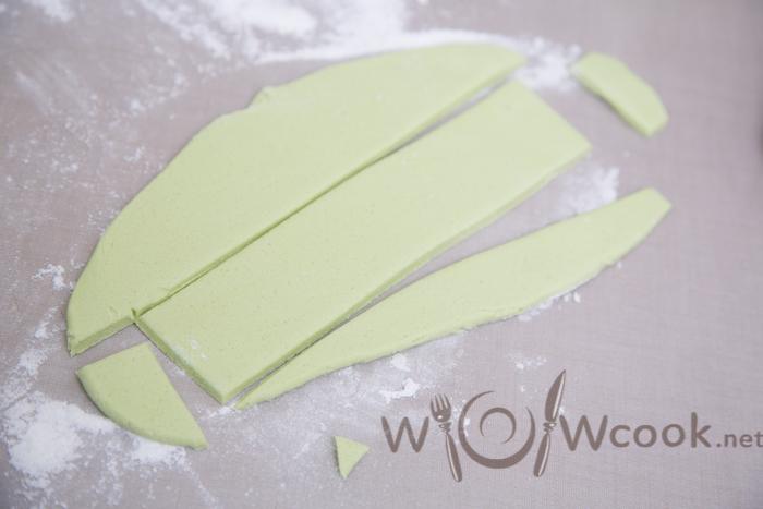 полосочки из мастики для банта пошаговый рецепт