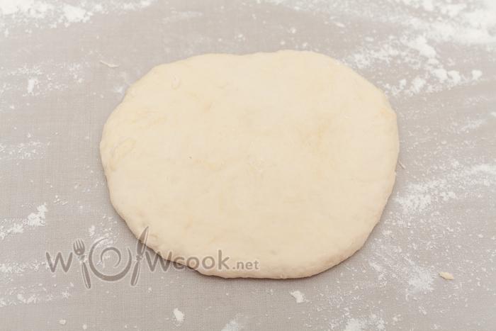 Пицца по-домашнему с колбасой - рецепт пошаговый с фото