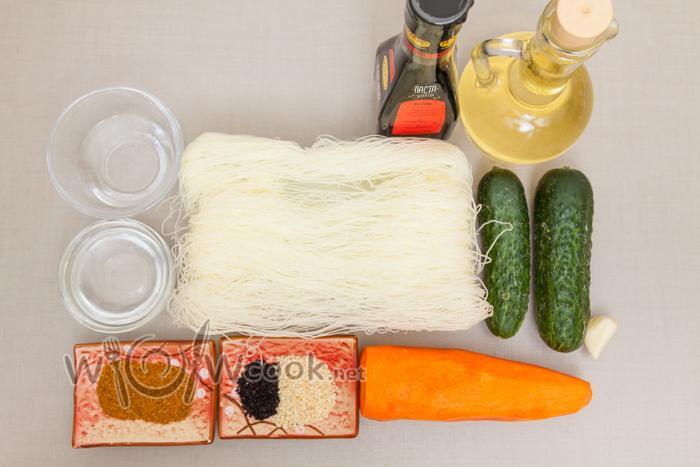 ингредиенты для салата из фунчозы