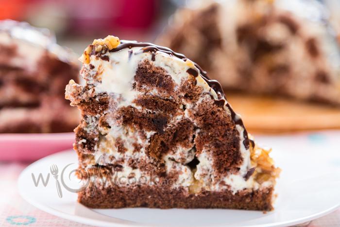 торт Ай-Петри со сметанным кремом и орехами