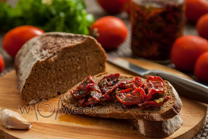 вяленые помидоры на зиму в масле, итальянский рецепт с фото