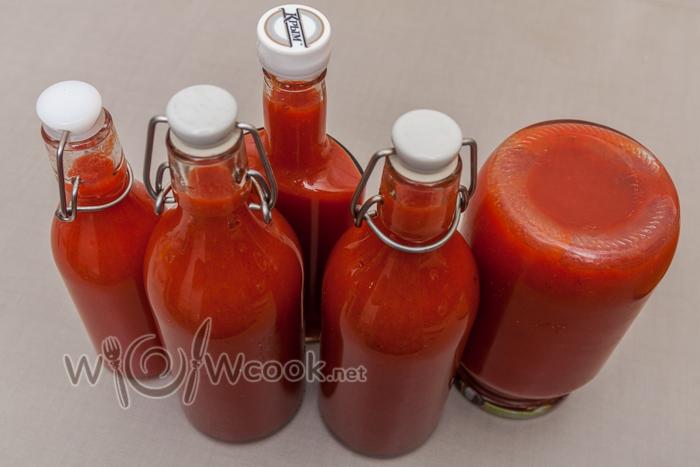 закатываем кетчуп