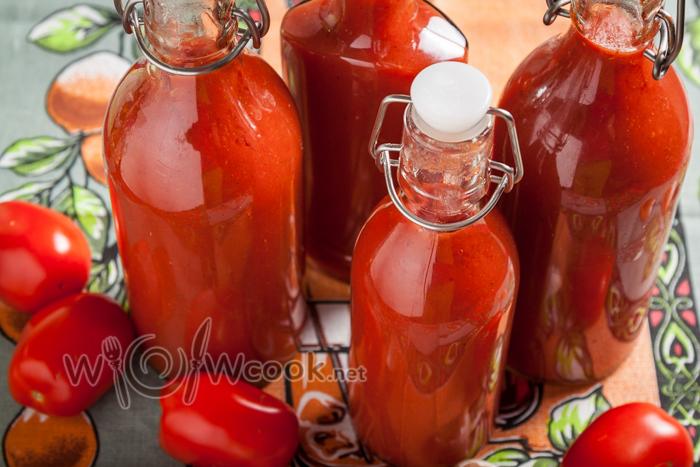 кетчуп из помидоров, перца и яблок,