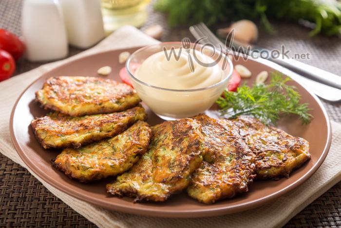 самые вкусные оладьи из кабачка с сыром и чесноком
