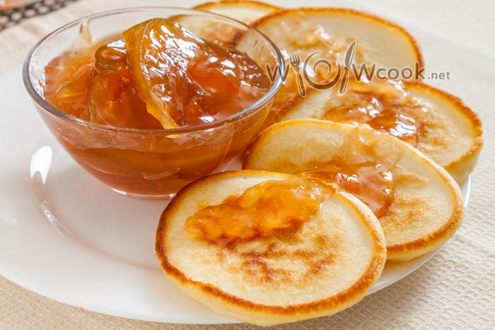 оладушки на кефире с содой или разрыхлителем