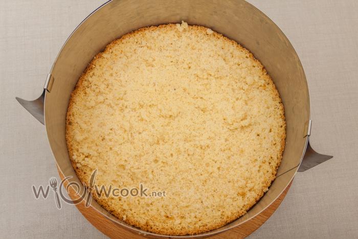 бисквит в кольцо или разъемную форму