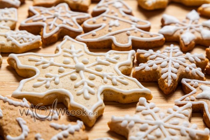 красивое печенье снежинки