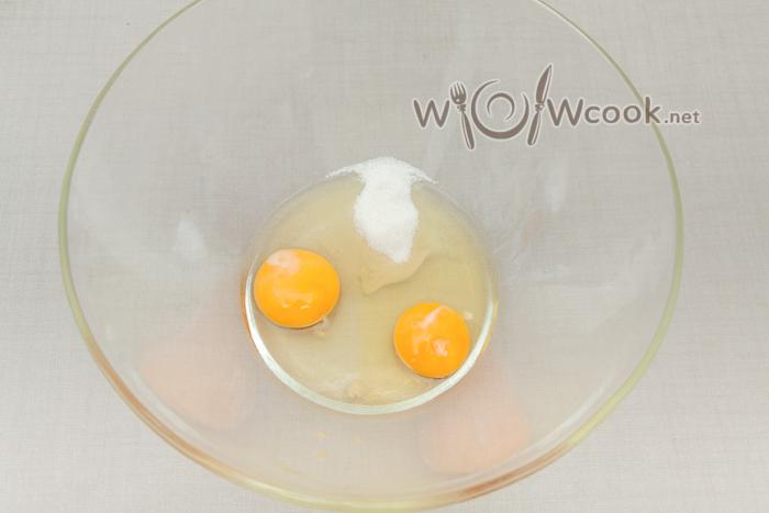 яйца с сахаром