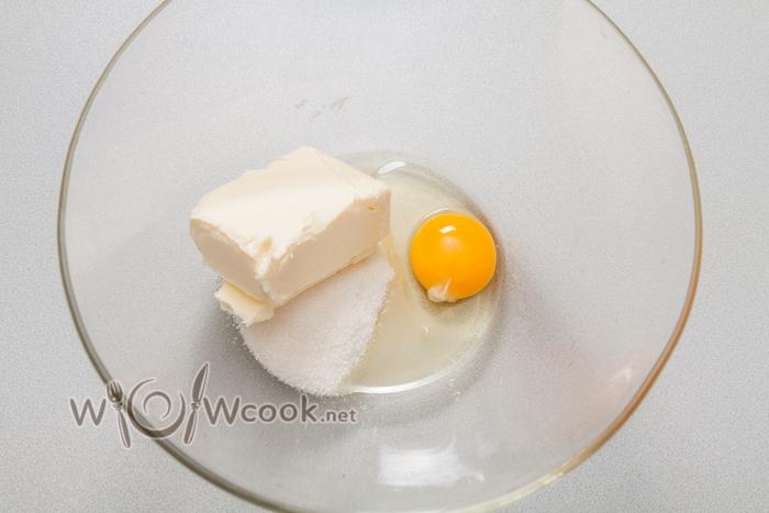 мягкое масло, сахар, яйцо
