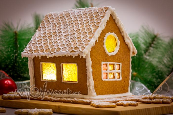 домик из имбирного печенья