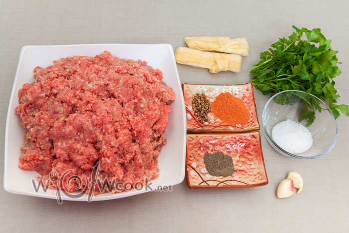 ингредиенты для колбасок