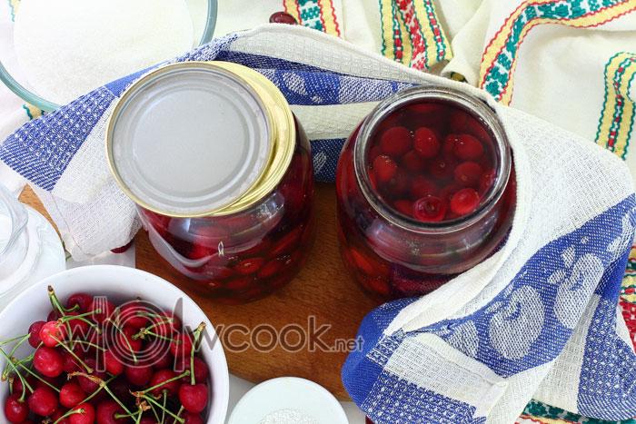 заливаем ягоды