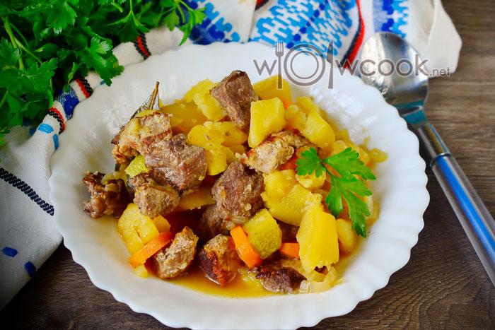 раагу из картошки с кабачком и мясом