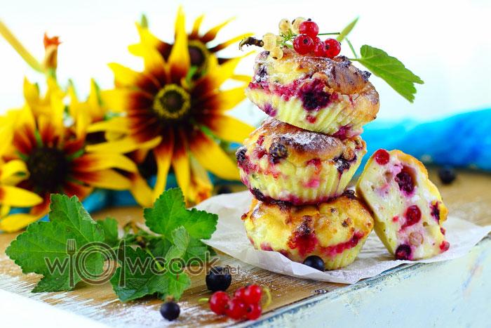 Сырники из творога с ягодами, рецепт с фото