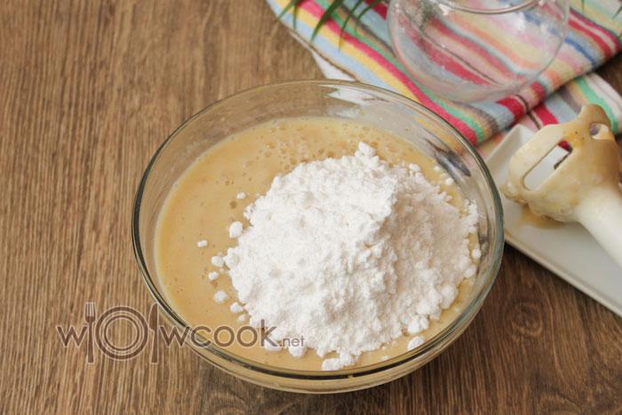 всыпаем сахарную пудру