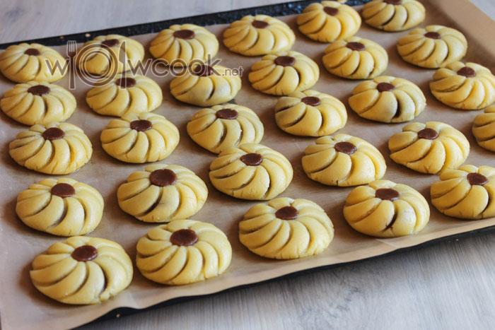 выпекаем печенье в духовке 25 минут