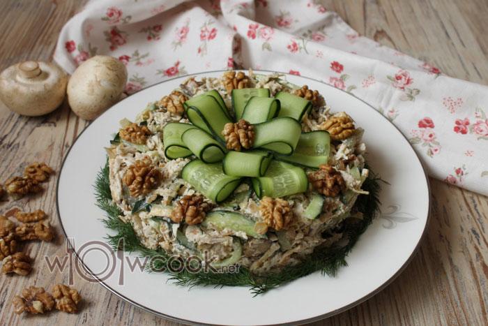 сытный салат с курицей и грибами быстро и вкусно