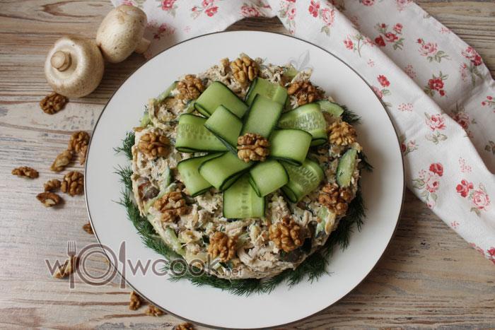Как приготовить салат «Сытый муж» с курицей и грибами, рецепт с фото пошагово: