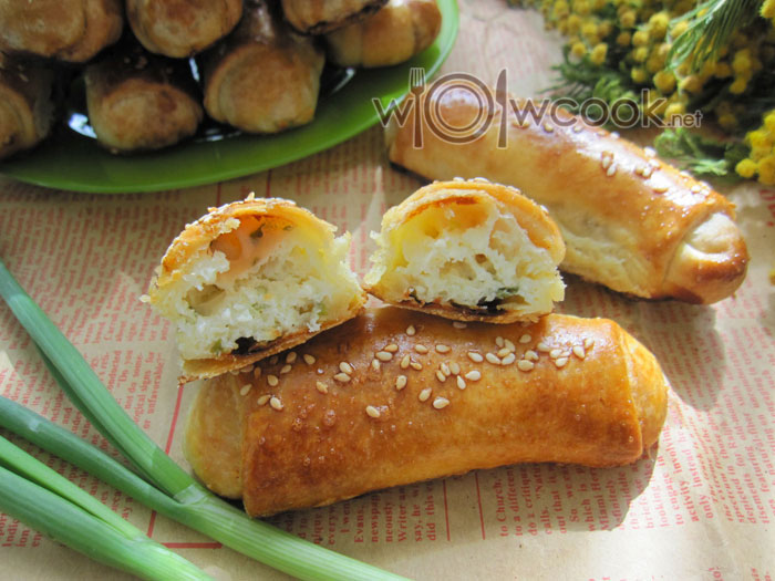 Пирожки с творогом и зеленым луком рецепт с фото