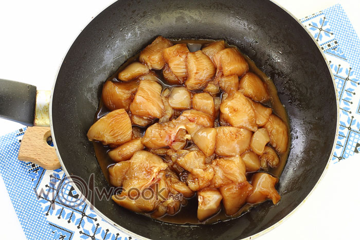 филе курицы в соусе