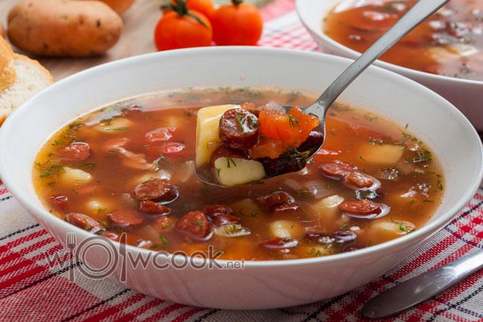суп с фасолью консервированной в томатном соусе