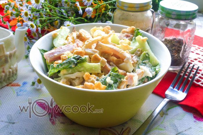 салат с кальмарами и кукурузой рецепт