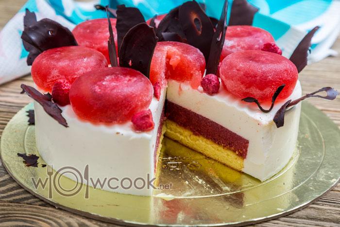 торт с замороженной клубникой