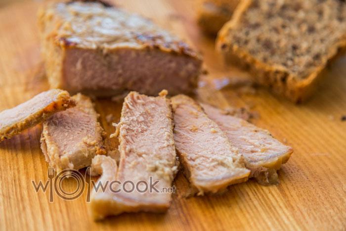 Как быстро и вкусно запечь свинину в духовке в фольге