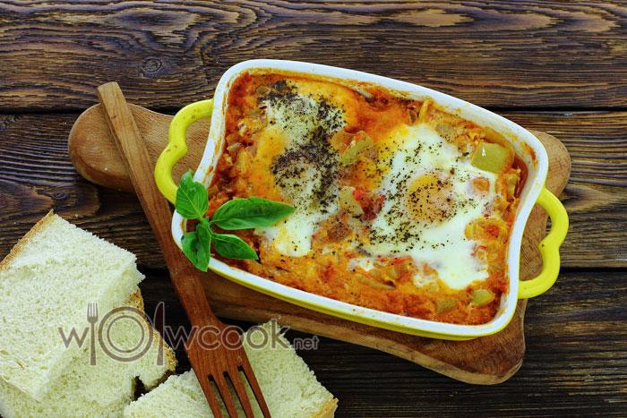 Еврейская яичница шакшука, рецепт пошагово с фото на сковороде