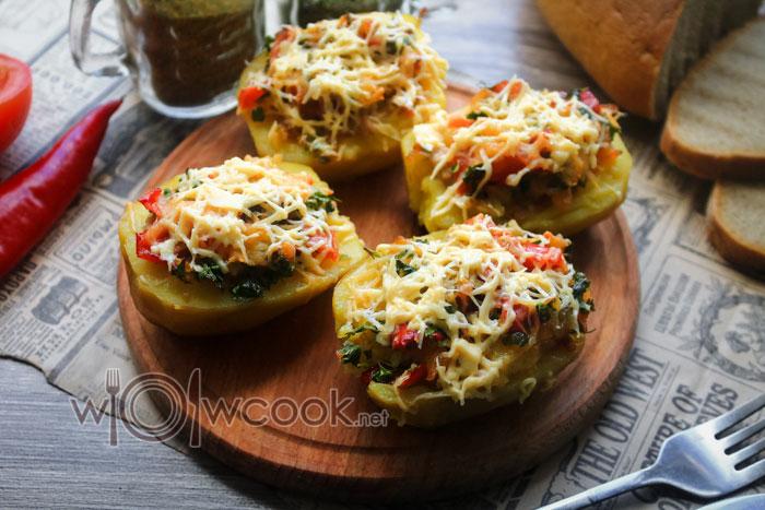 Картофель, фаршированный фаршем запеченный в духовке