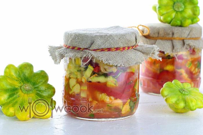Салат из патиссонов на зиму с помидорами, болгарским перцем и луком рецепт с фото