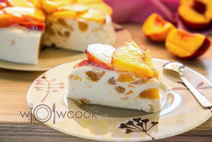 торт с персиками и творогом