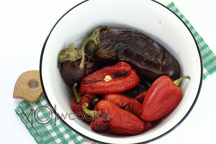 оставляем запеченные овощи остывать