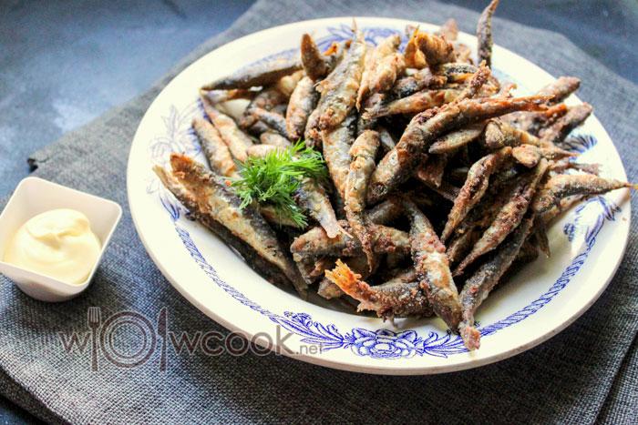 Как жарить мелкую рыбу на сковороде пошагово с фото