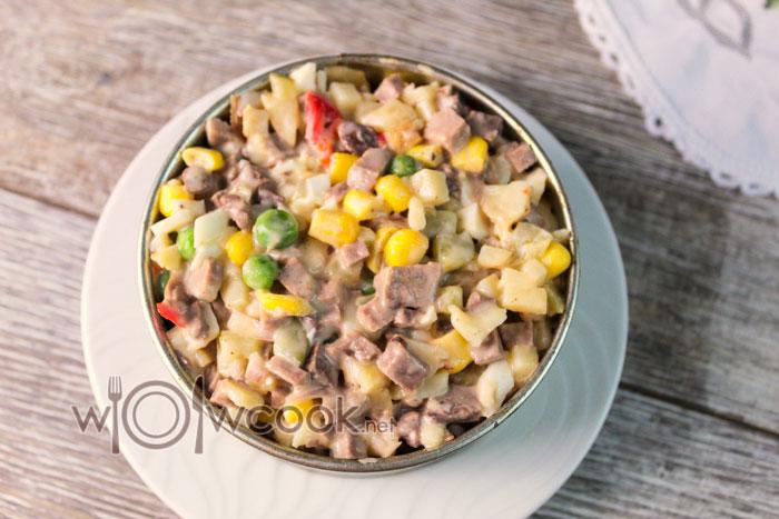 Рецепт салата с языком говяжьим и соленым огурцом с фото пошагово
