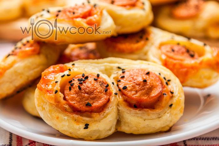 Рецепт слоек с сосисками пошагово с фото