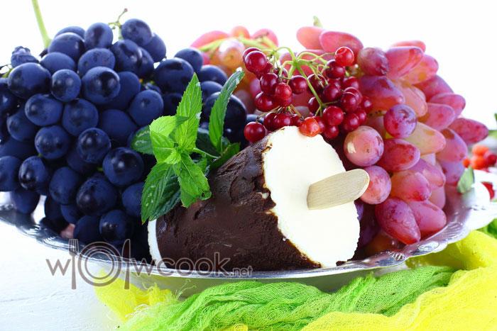 мороженое в шоколадной глазури