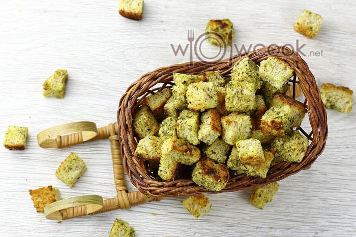 сухарики из хлеба в духовке с чесноком