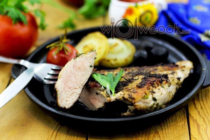 стейк из свинины на сковороде рецепт сочный
