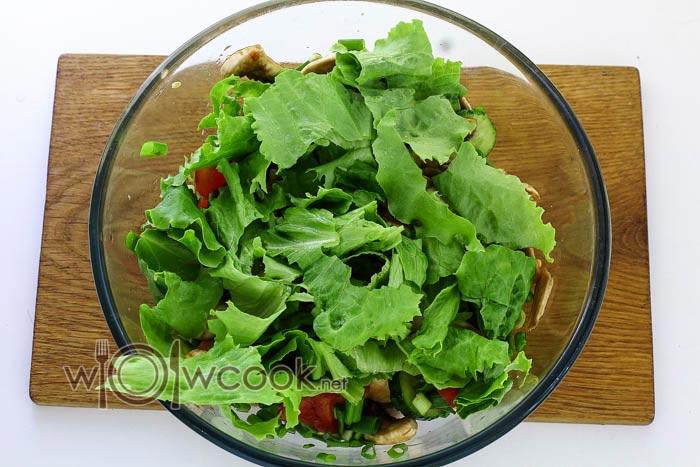 перемешиваем зеленый салат