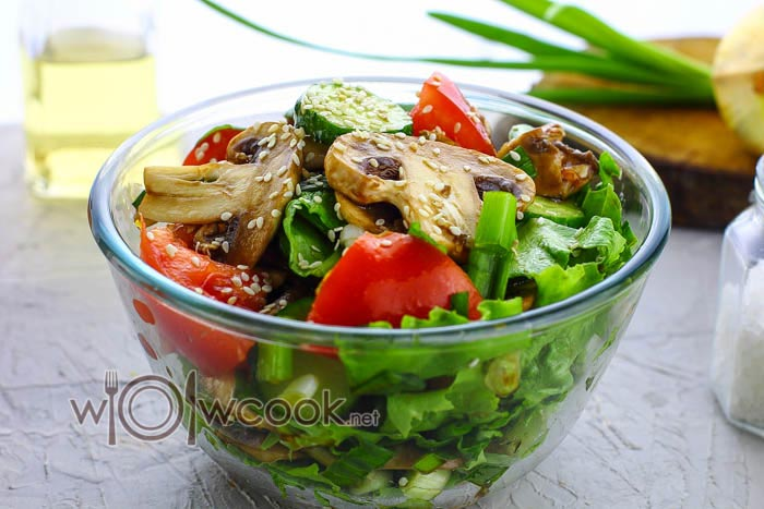 Салат с сырыми шампиньонами, рецепт с фото