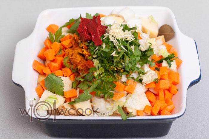 морковь, зелень, чеснок