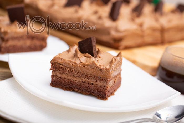 торт из готовых коржей со сгущенкой